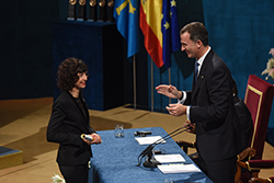 151022 EC receives the Prize from King Felipe VI from Spain 464543545 credits FPA