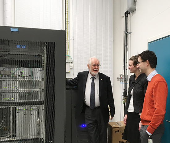 Jacques Dubochet, Nobel Laureate in Chemistry 2017, visited the cryo-EM Facility at UCEM on 13 December 2017, together UCEM-Director Linda Sandblad and Lars-Anders Carlson, researcher at WCMM.